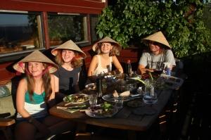 Middag med Irinas nye familie.