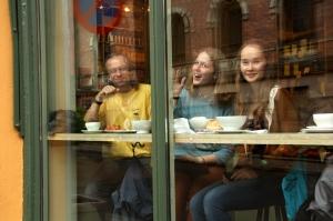 Irina på café i Oslo